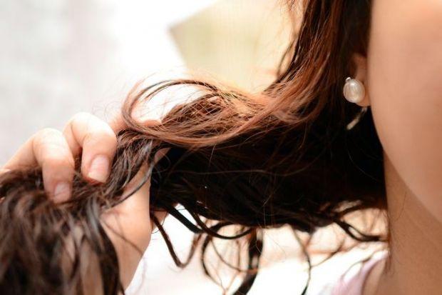 Как уложить вьющиеся волосы? Несколько советов на каждый день