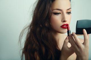 Как сделать губы пухлыми с помощью макияжа? Тонкости и хитрости