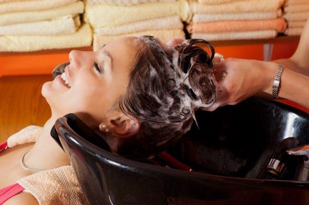 Как восстановить волосы после смывки? Список полезных советов и действий