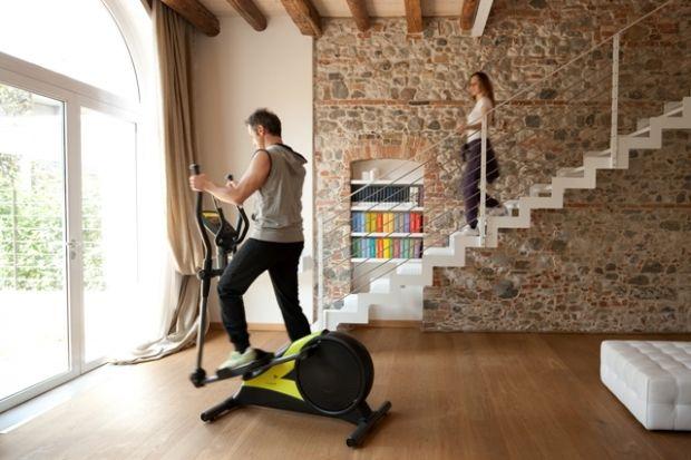 Как правильно заниматься на эллиптическом тренажере, чтобы похудеть? Читай как