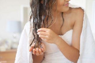 Как быстро высушить волосы без фена? Читай и запоминай