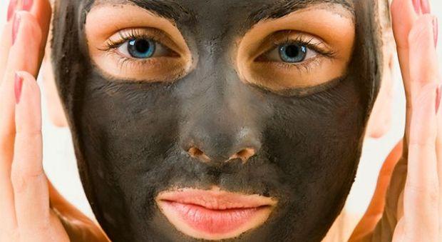 Как сделать маску из активированного угля от угрей и черных точек? Время быть красивой