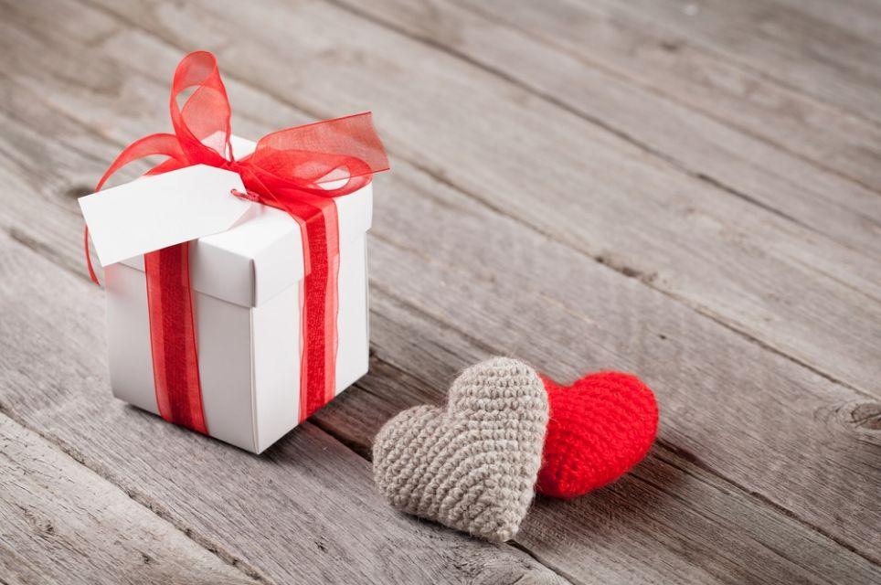 Что оригинальное подарить любимому на день рождения? Примеры подарков