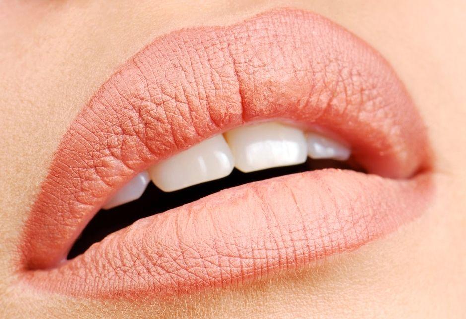 Уход за губами после татуажа: основные правила