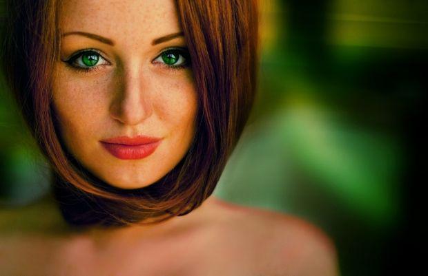 Какой цвет волос подходит к зеленым глазам? Тонкости создания образа