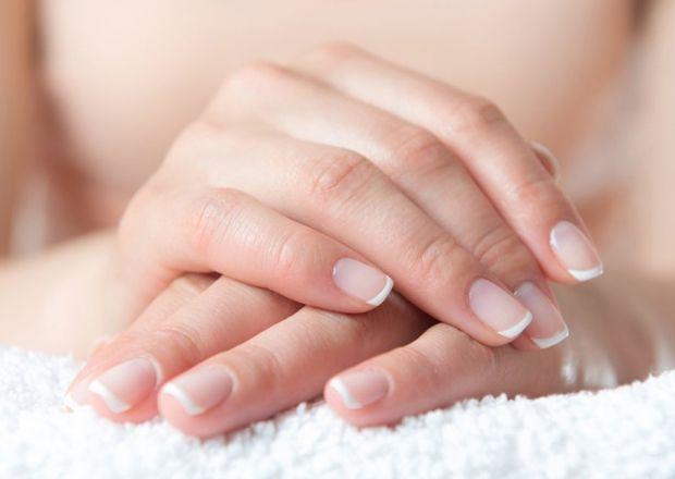 Ванночка для ногтей с солью и йодом в домашних условиях. Все о приготовлении и применении