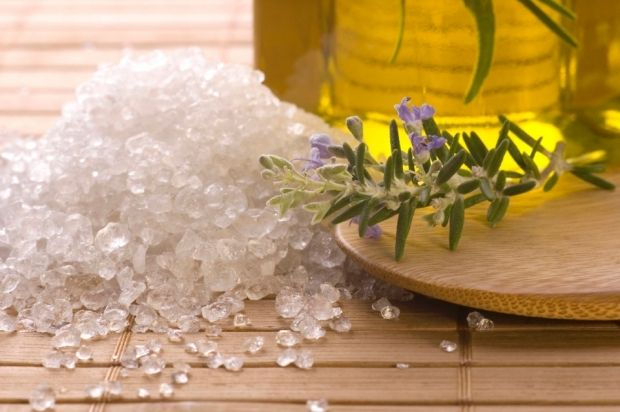 Ванночки для ног с содой и солью. Все о них + советы
