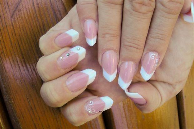 Как сделать миндалевидную форму ногтей? Идеальный маникюр