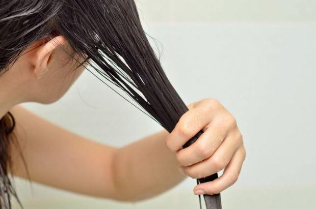 Можно ли расчесывать мокрые волосы? Это крайне нежелательно