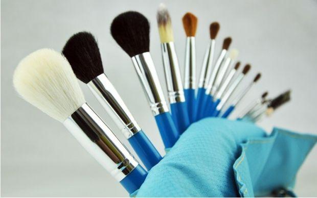 Как мыть кисти для макияжа? 4 способа