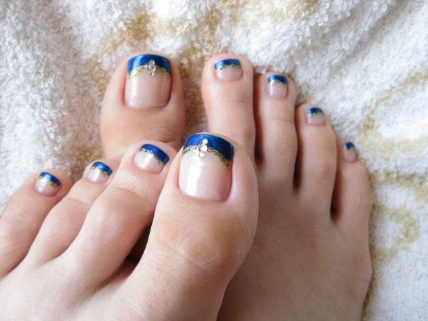 Каким цветом красить ногти на ногах? Правильный педикюр