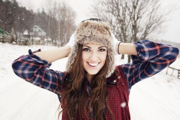 С чем носить женскую шапку ушанку? Оригинальный стиль