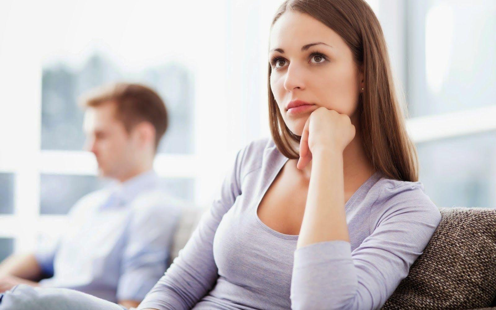 Как вести себя, если мужчина тебя игнорирует? Стоит ли женщине делать первый шаг?