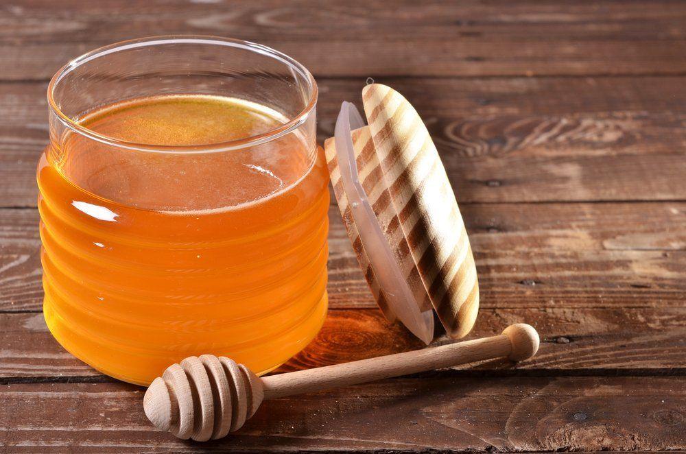 Маска для волос с луком и медом: эффективные рецепты масок