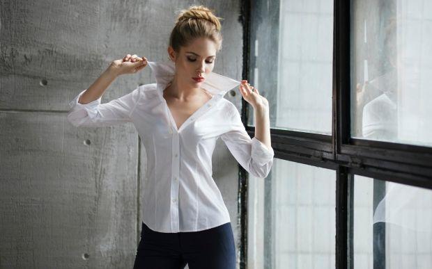Базовый гардероб для девушки в 20 лет. Самый полный список