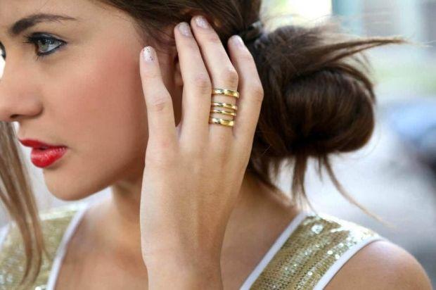 На каком пальце какое кольцо носят девушки? Это нужно запомнить