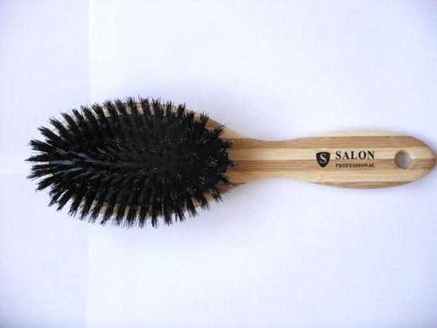 Какой расческой лучше расчесывать длинные волосы? Важные тонкости