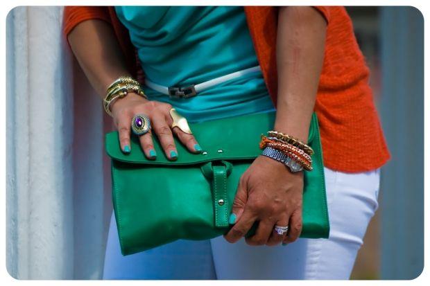 Какой цвет сочетается с оранжевым в одежде? Правила стилистов