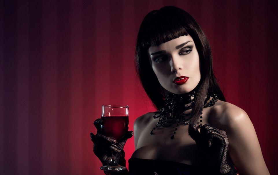 Картинки по запросу девушка в стиле вамп
