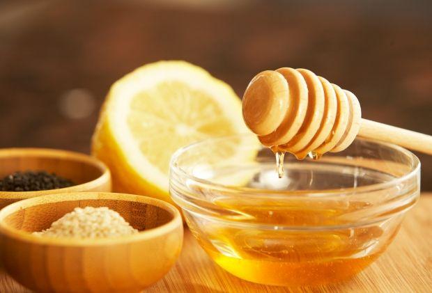 Маска для лица с медом и лимоном. Спасаем увядающую кожу