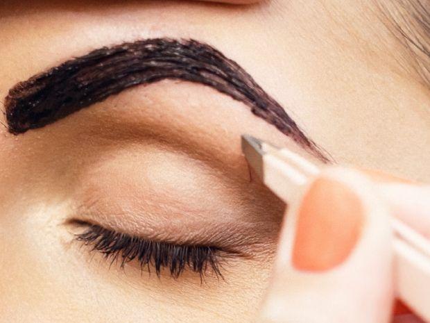 Чем лучше красить брови, краской или хной? Разбираем вопрос
