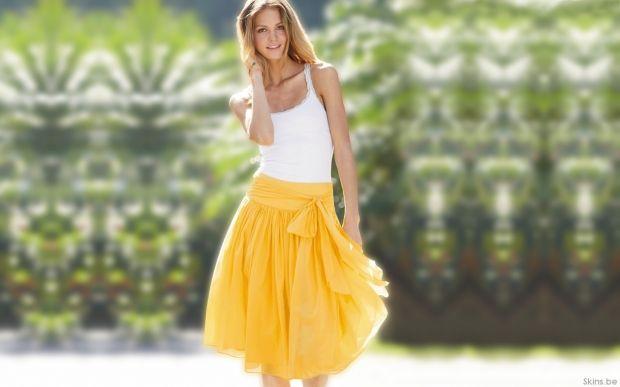 С чем носить желтую юбку? Яркий образ