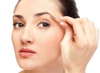 Как правильно выщипывать брови в дома без боли? Актуальные советы