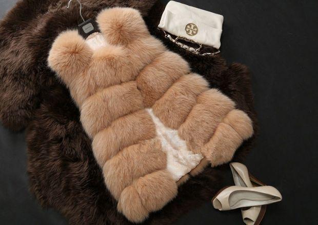 С чем носить меховую жилетку? Стиль и сочетание