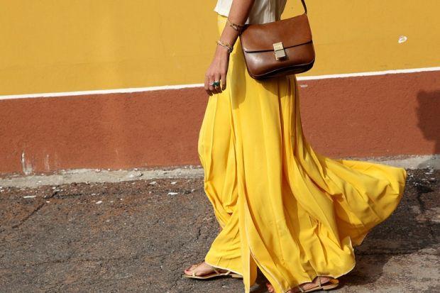 С чем носить юбку горчичного цвета? Приятное внимание со стороны