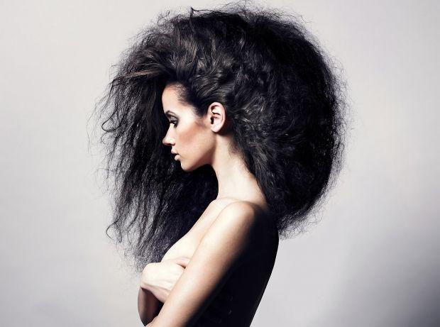 Что делать, если сильно электризуются волосы в домашних условиях? Исправляем сами