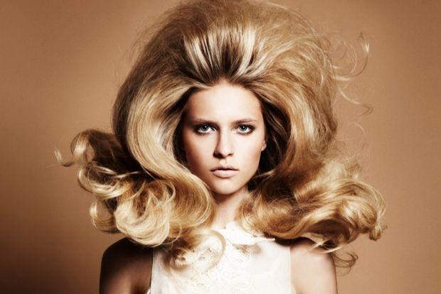 Как сделать прикорневой объем волос в домашних условиях? Инструкции и советы