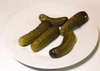 Можно ли есть соленые огурцы на диете? Мнение диетологов