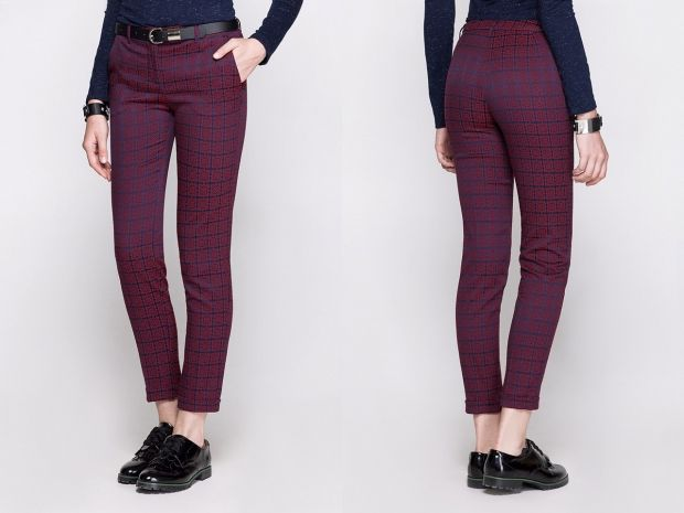 С чем носить бордовые брюки? Яркий образ