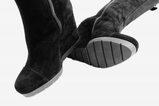 С чем носить черные замшевые сапоги? Подробные советы для стиля