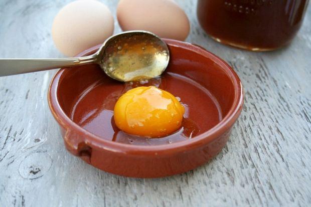 Маска для лица с мёдом и яйцом. Рецепт проверенный временем