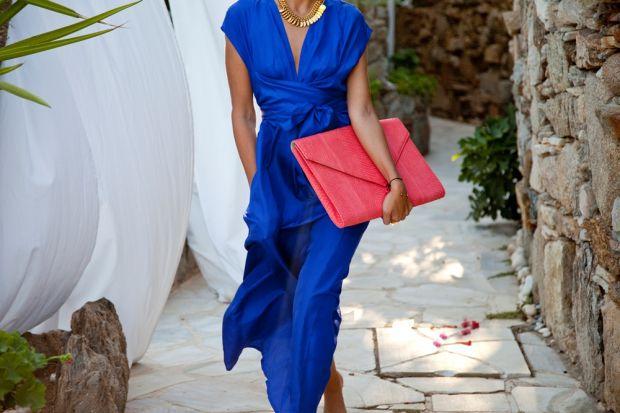 Какой цвет сочетается с синим в одежде? Список вариантов на выбор