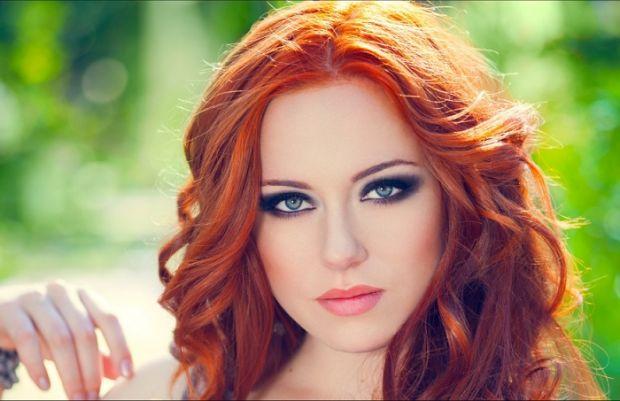 Макияж для зелёных глаз и рыжих волос. Главные правила и ошибки