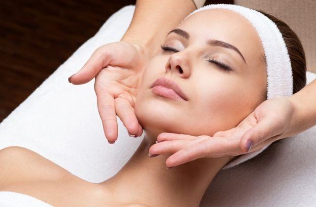 Учимся делать лифтинговый массаж лица. Полезно и эффективно