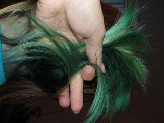 Как покрасить волосы гуашью? Нестандартное окрашивание