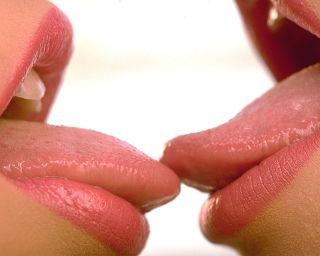 Как правильно целоваться по французски? Техники, советы и ошибки
