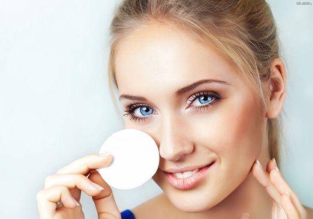 Как убрать жирный блеск с лица? Способы на выбор