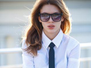 Как завязывать женский галстук? Техника и ошибки