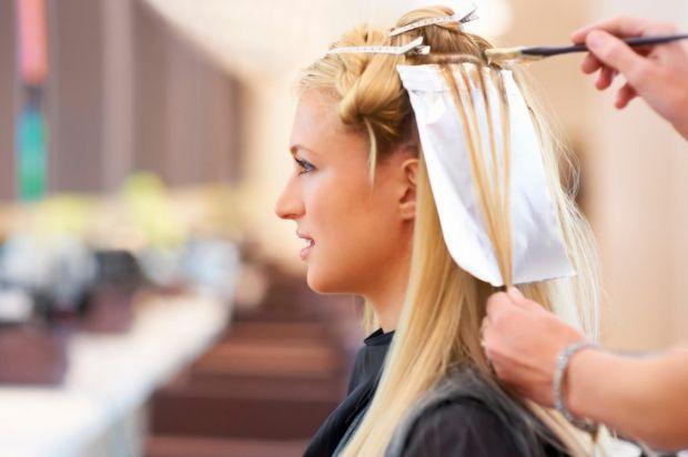 Как сделать прикорневое мелирование на отросшие волосы? Пошагово и доступно