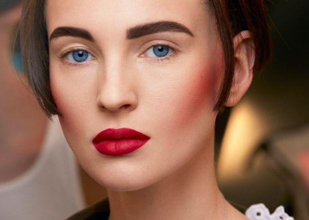 Как выделить скулы с помощью макияжа? Подробно разбираем детали